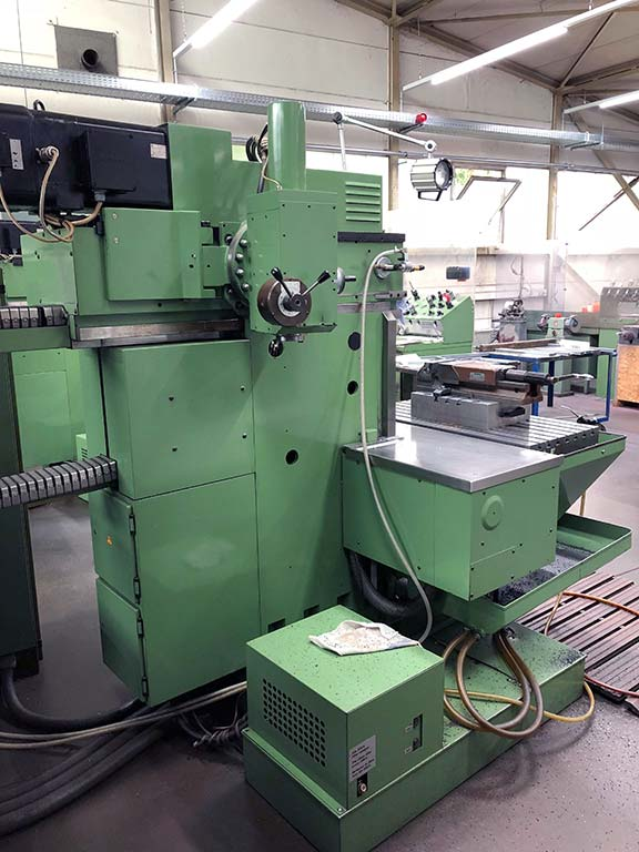 Universal Production and Tool Milling Machine HERMLE UWF 1001 Image-2
