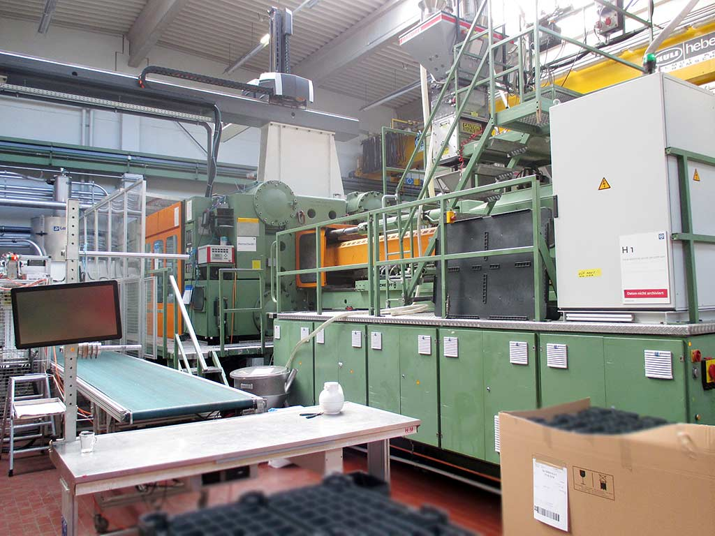 Injection Moulding Machine BATTENFELD BA-T 16500/ 25000 Image-2