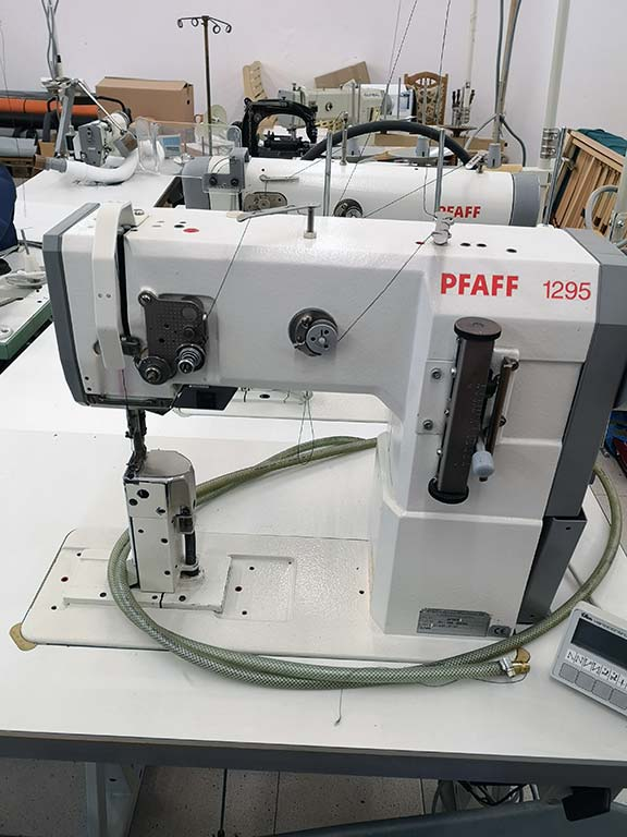 Single-Needle Lockstitch Postbed Sewing Machine PFAFF 1295/ 471 Image-1