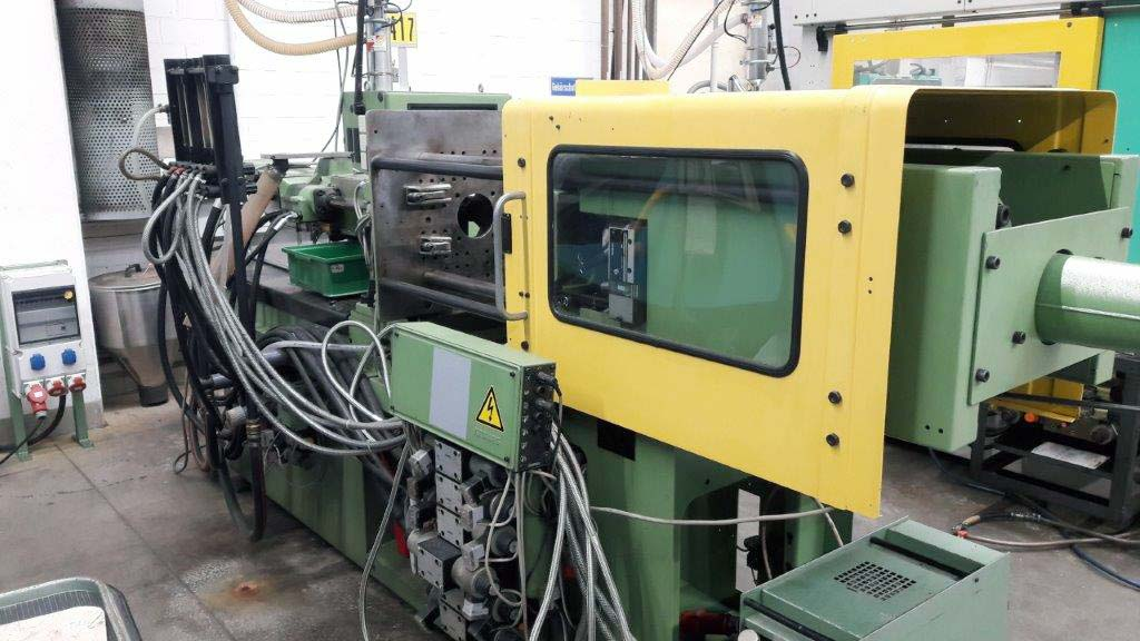 Injection Moulding Machine ARBURG Allrounder 270 M 500-90 Image-2