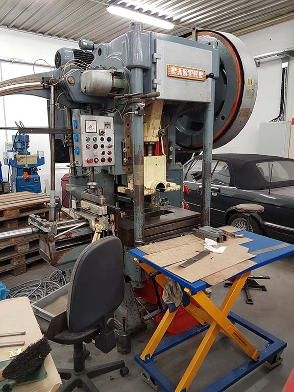 Automatic Punching Machine RASTER HR 80 NL Image-1