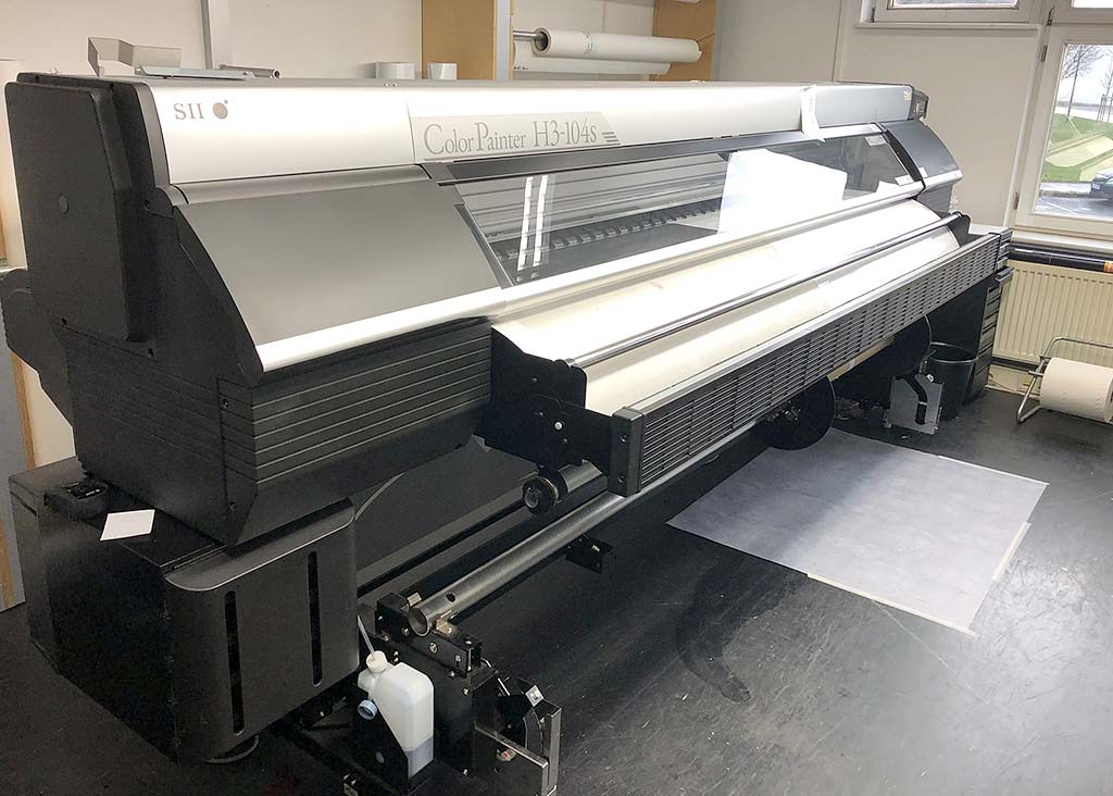 Large Format Printer OKI ColorPainter H3-104S Image-1