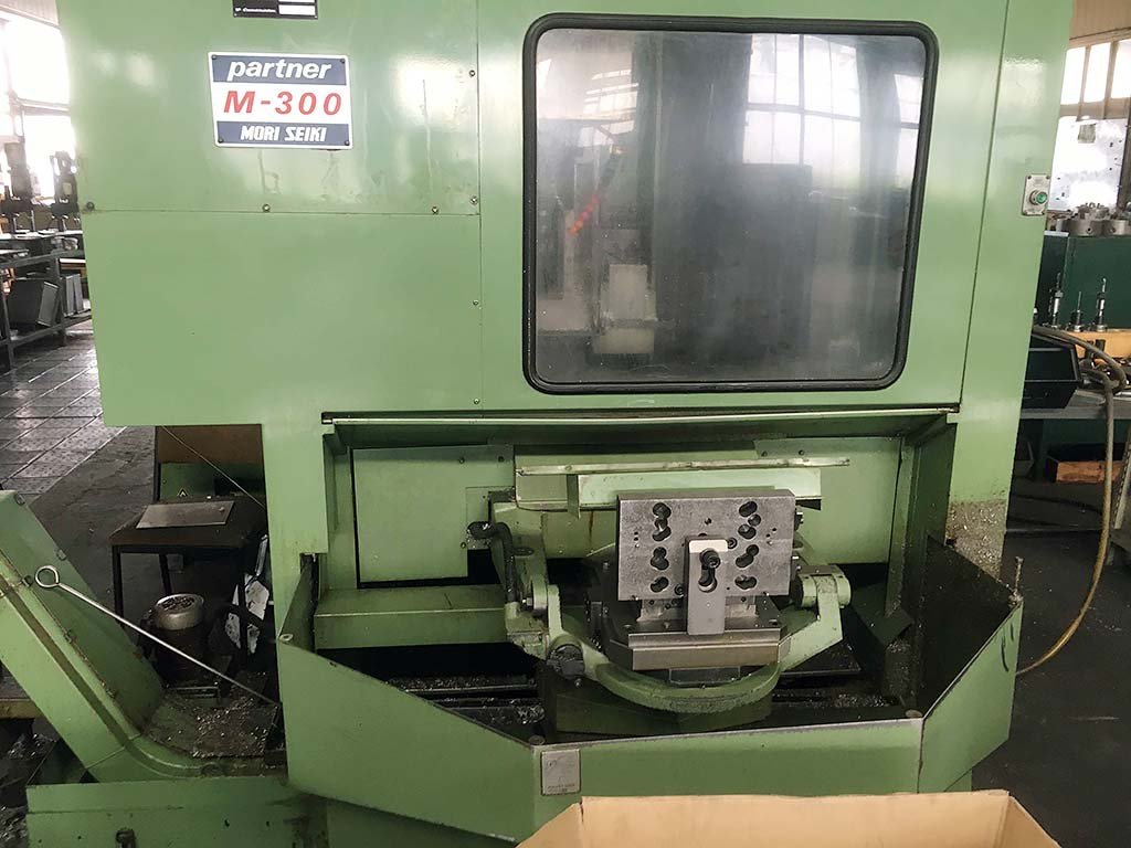 CNC Machining Center MORI SEIKI M-300 A1 Image-2