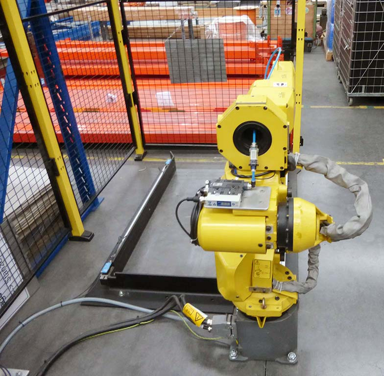 Arc-Welding-Robot-Fanuc-ARC-Mate-100iC Image4