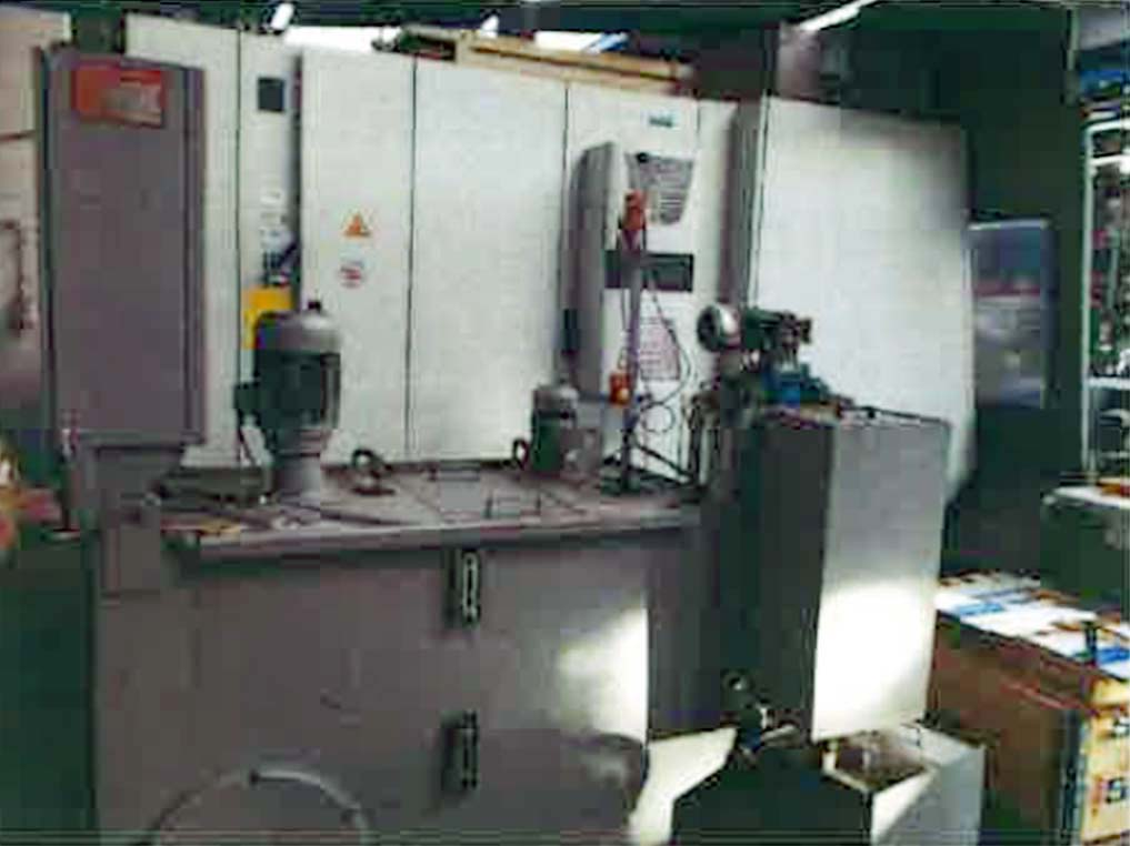 Vertical-Machining-Center-Mikron-VCP-1000 Image2