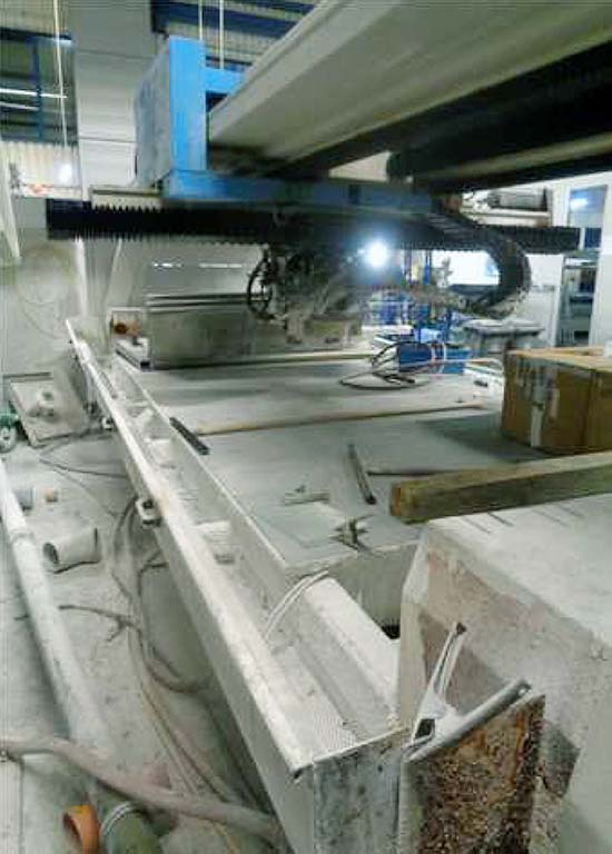 CNC-Glass-Machining-Center-Intermac-MASTER-EDGE-4000 Image2