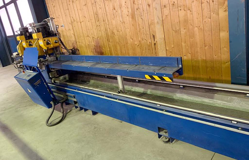 Profile-Double-Mitre-Saw-Schüco-PDG-STEEL Image4